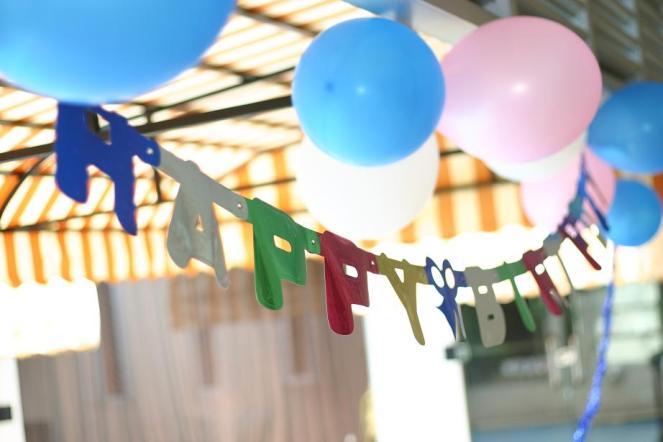 "Dekorasi tulisan ""Happy Birthday"" huruf besar Rp.17.500, pasar benhil"